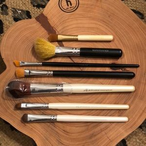 Set of 7 Misc Make Up Brushes